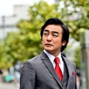 片冈爱之助-捏爆两位奥特曼蛋蛋的男人